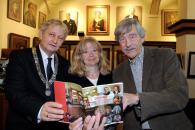 11 oktober 2012 feest ontbijt 100 jaar schiller en presentatie boekje