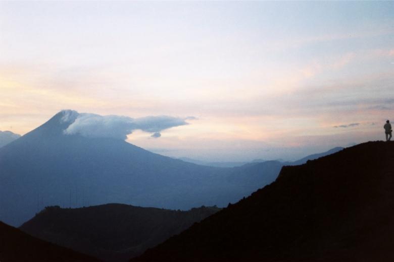 Guatemala op de vulkaan foto Esther Schreuder 2002 (c)