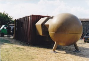 Atelier van Lieshout Montalcino _0004 1999 Esther Schreuder (c)