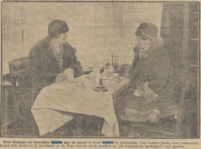 1926- 1- 28 Henriett Davids en Else Grassau in Hotel Schiller te Amsterdam