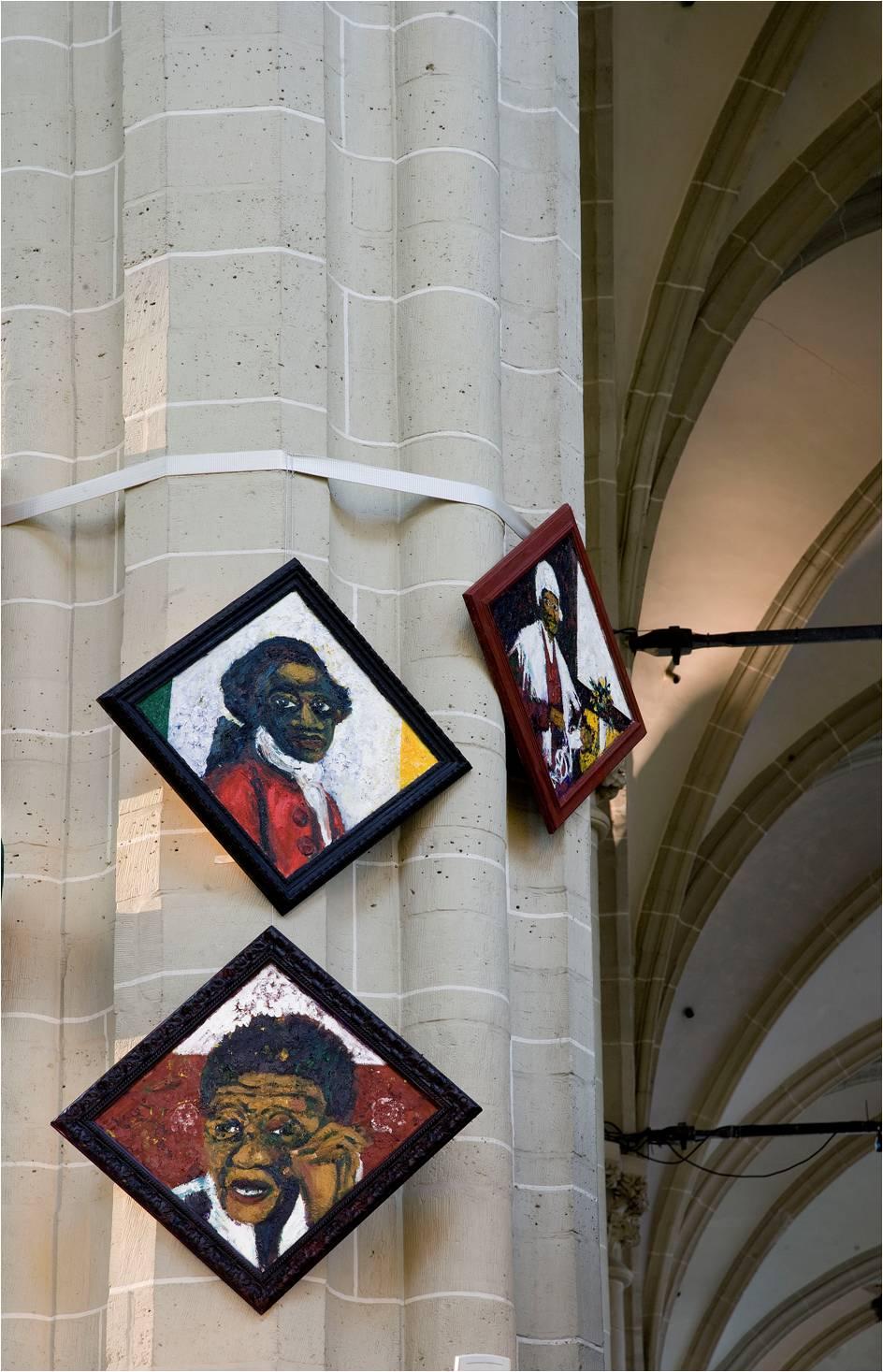 foto Jan van Rooij. Memorietafels Iris Kensmil: Sojourner Truth, 2007/8, Olaudah Equiano 2007/8, Ellen Kuzwayo 2007/8