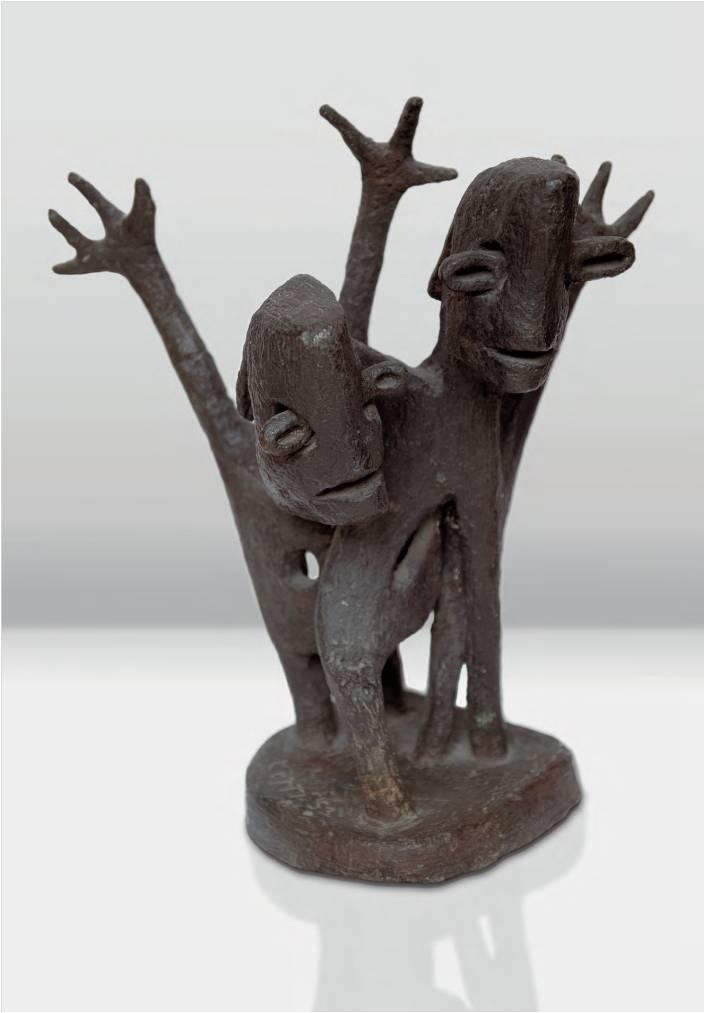 Lotti van der Gaag, Duality, 1953 bronze sculpture 49 x 40 cm Ambassade Hotel Collection Amsterdam.emf